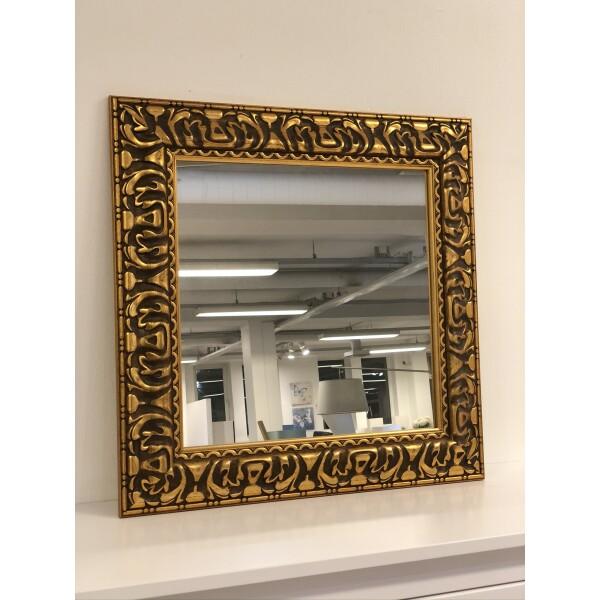 peegel kuldse ornamentikaga
